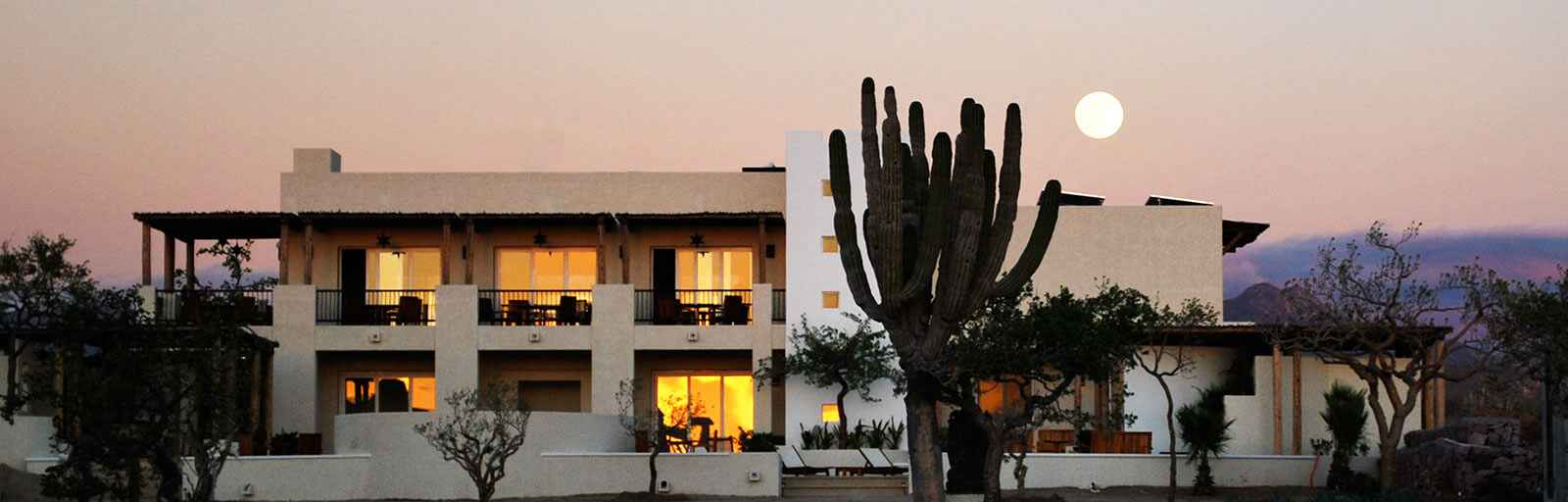 Yoga Retreat in Mexico: Moonrise over Retreat Center